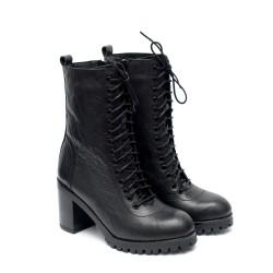 Дамски черни боти от естествена кожа с ток-947