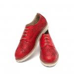 Дамски обувки от естествена кожа с перфорация в червено-352