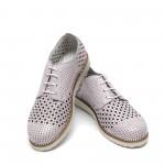 Дамски летни обувки с перфорация от естествена кожа лилави - 370