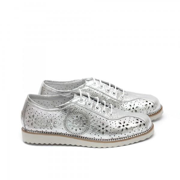 Дамски пролетни обувки от естествена кожа сребристи - 372