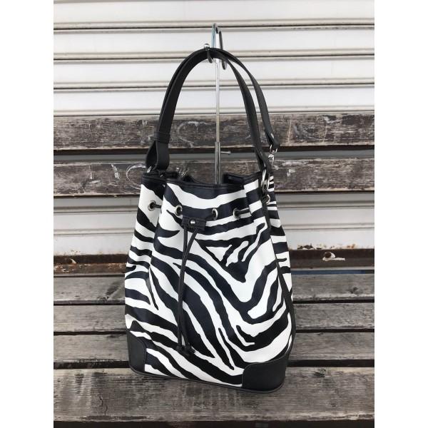 Ежедневна дамска чанта черно-бяла зебра от еко кожа-1131