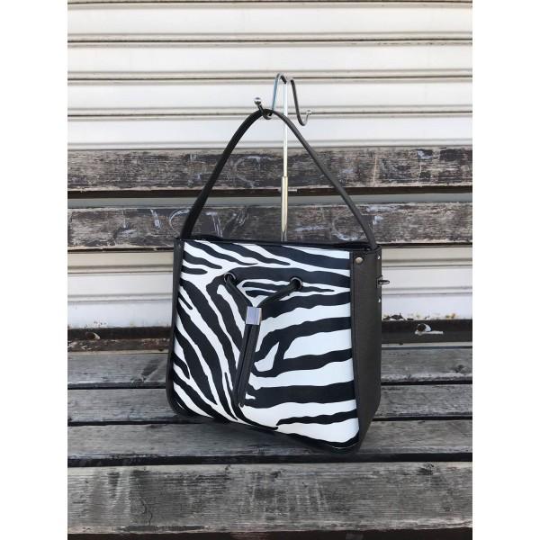 Елегантна дамска чанта със зеброва щампа в черно и бяло-1135