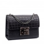 Стилна черна дамска чанта от еко кожа-кроко-Б1115