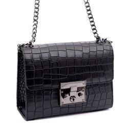 Черна  малка чанта от еко кожа кроко със метален синджир-а1115