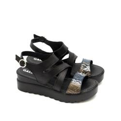 Дамски сандали на платфрома в черно и змийски мотив-816