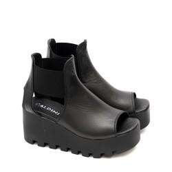 Дамски черни сандали от естествена кожа и ефектна платформа-497а