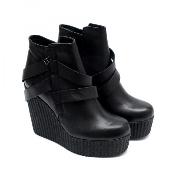 Дамски черни боти на платформа от естествена кожа с цип-892
