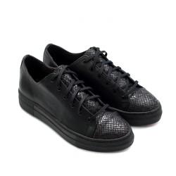Дамски есенни обувки от естествена кожа черни с змийски принт и връзки-885