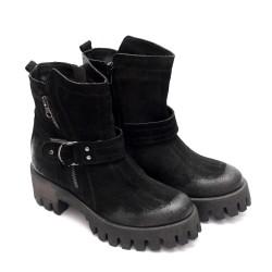 Дамски боти от естествен велур в черен цвят-667