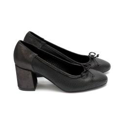 Пролетни дамски обувки от естествена кожа черни с ток - 423