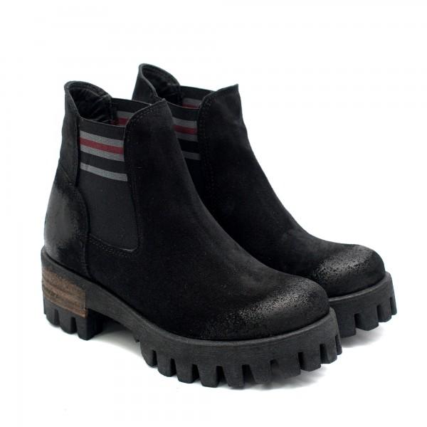 Есенно-зимни дамски, черни боти от естествен велур с ластик-1033