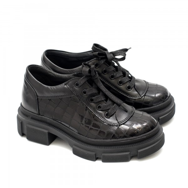 Дамски пролетни обувки от естествена кожа в черен цвят с ефектно кроко и връзки-1572