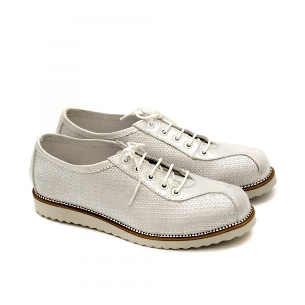 Ежедневни пролетни дамски обувки от естествена кожа в бяло-