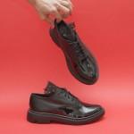 Дамски обувки от естествена кожа и лак в черен цвят и модерно ходило-1654