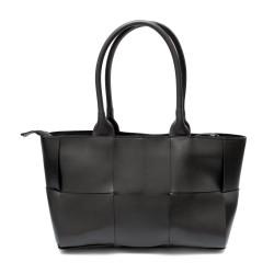 Стилна дамска чанта с ефектен дизайн от черна еко кожа-2301