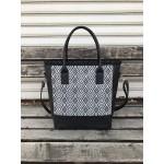 Дамска чанта от еко кожа с черно-бял принт-1318-2