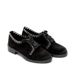 Елегантни дамски обувки от естествен велур с метална декорация-583