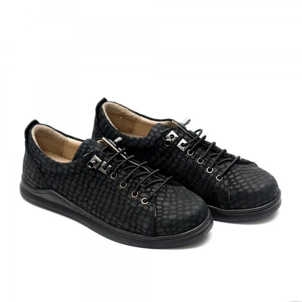 Дамски есенни обувки от естествена кожа черни със змийски принт-580