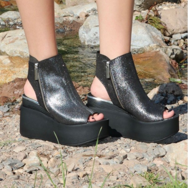 Дамски сандали от естествена кожа на платформа черни лъскави-468