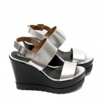 Дамски сандали от естествена кожа сребристи на платформа-488