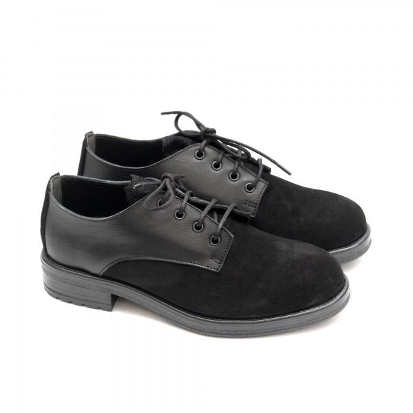 Черни дамски обувки от естествена кожа и велур с връзки и панделка-1427