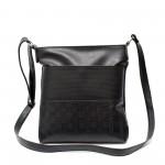 Удобна дамска чанта от еко кожа в черен цвят-104