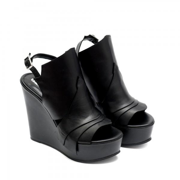 Черни летни дамски сандали на платформа от естествена кожа-732