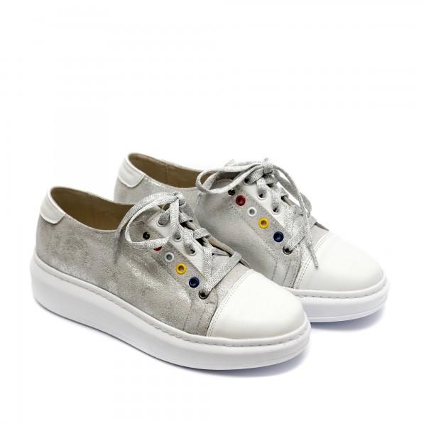 Дамски спортни обувки от естествена кожа в бяло и сребристо-730