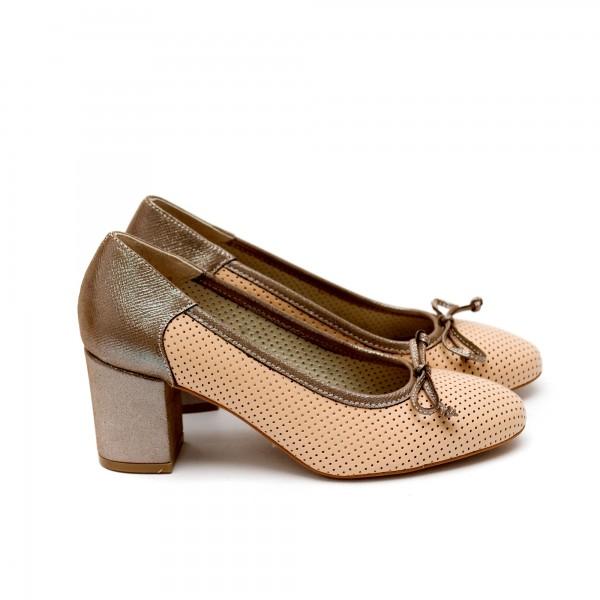 Дамски пролетни обувки от естествена кожа бежови с ток-426