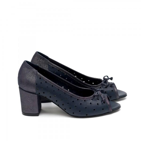 Дамски летни обувки от естествена кожа сини с перфорация на ток-427