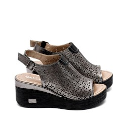 Дамски сандали от естествена кожа сребристи на платформа-457