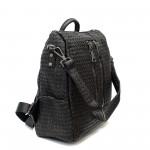 Дамска чанта- раница от еко кожа в черен цвят кроко с ефектни ципове-1090