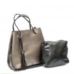 Сива ежедневна дамска чанта от еко кожа с модерна визия-2-985