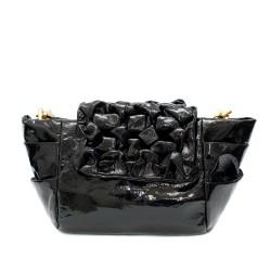 Лачена дамска кокетна чанта от еко кожа и златни метални елементи-3-1520