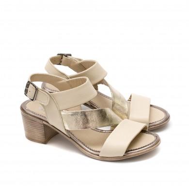 Елегантни дамски сандали на удобен ток от естествена кожа в бежов цвят и златисти елементи-871