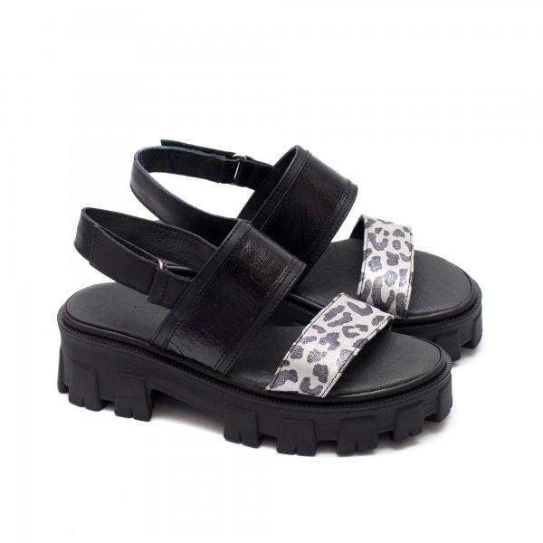 Дизайнерски дамски сандали от естествена кожа в комбинация от черен цвят и сребриста леопардова каишка на удобно ходило-1667