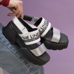 Луксозни дамски сандали от естествена кожа с ефектна сребриста кожена лента-1670