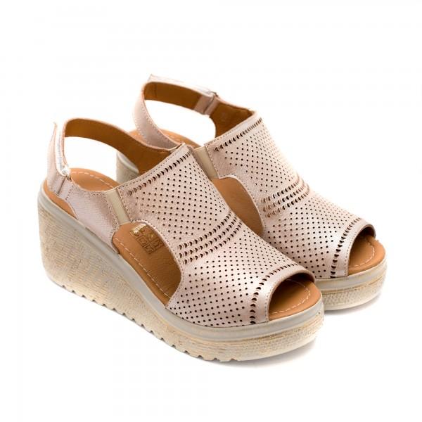 Дамски сандали от естествена кожа в цвят пудра-821