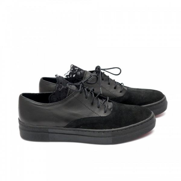 Дамски обувки от естествен велур с дантела и връзки -58