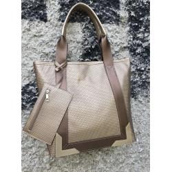 Дамска ежедневна чанта в златно-698