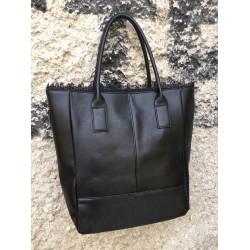 Дамска ежедневна чанта в черно-699