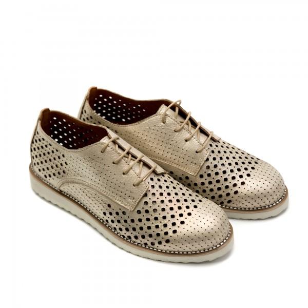 Дамски обувки от естествена кожа златисти с лазерна перфорация - 207