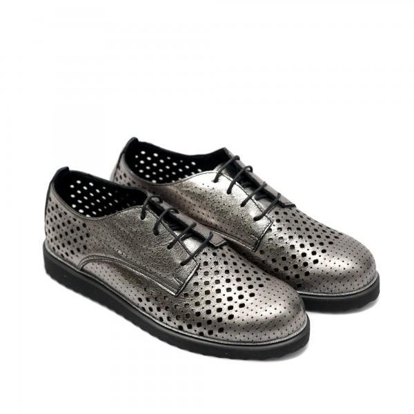 Дамски летни обувки от естествена кожа с лазерна перфорация цвят перла графит с връзки-190