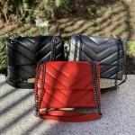Ежедневна дамска чанта от еко кожа с метални елементи решена в цвят платина-2-1523