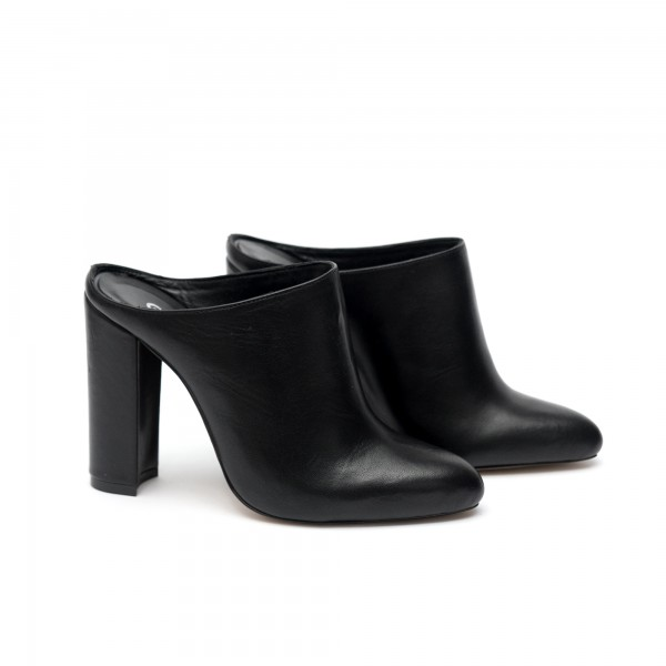 Дамски обувки от естествена кожа черни с ток - 338