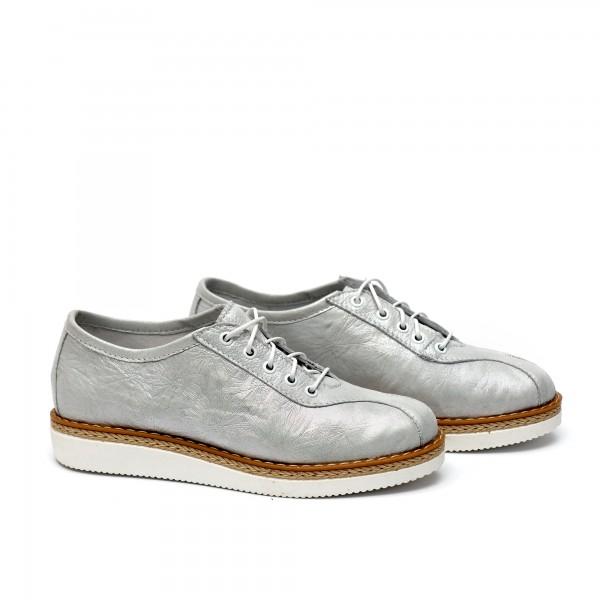 Дамски спортни  обувки от естествена кожа сребристи - 35