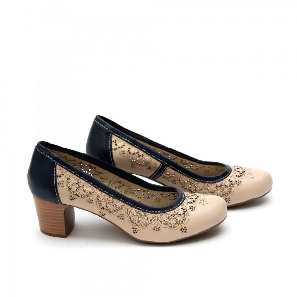 Дамски обувки от естествена кожа бежови с перфорация и ток -22