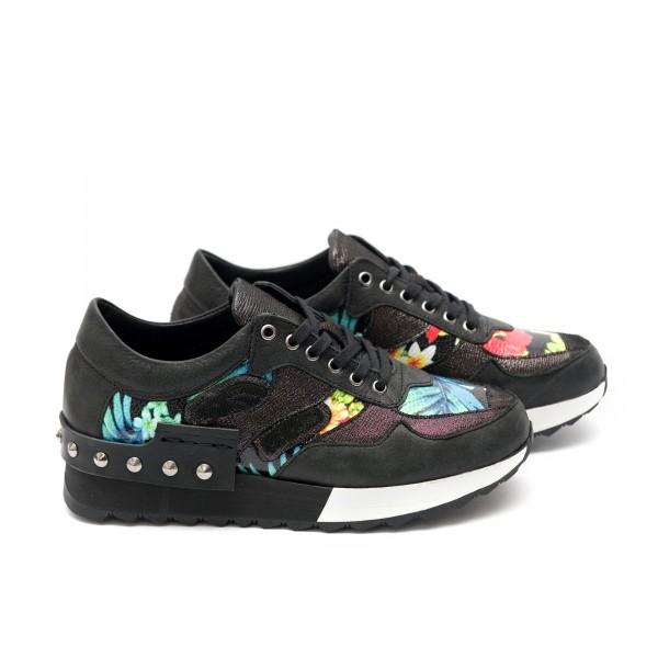 Дамски спортни обувки от естествена кожа с връзки - 76