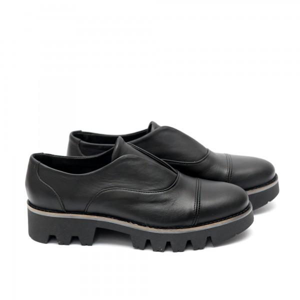 Дамски обувки от естествена кожа с ластик -115