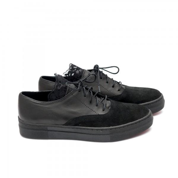 Дамски обувки от естествен велур с дантела -58